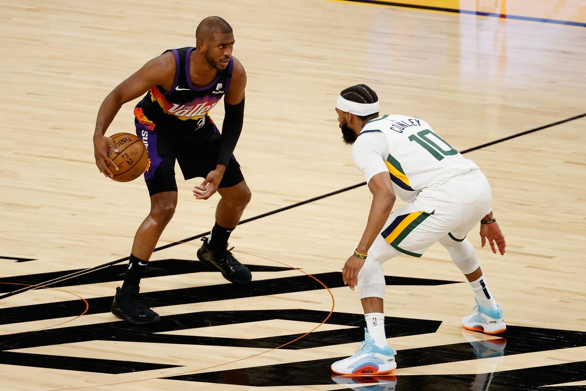 Chris Paul, en un partido con los Suns.