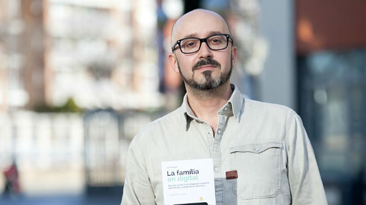 Jordi Jubany con su libro