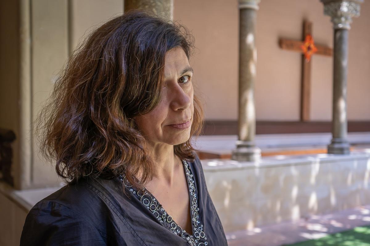 Lourdes Delgado, en el claustro del actual monasterio de Santa Isabel en Sarrià.