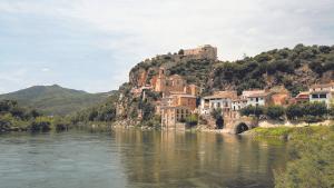 El castillo de Miravet fue reconstruido por los Templarios al estilo de las fortalezas de Tierra Santa