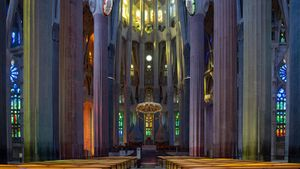 Interior del templo de la Sagrada Familia