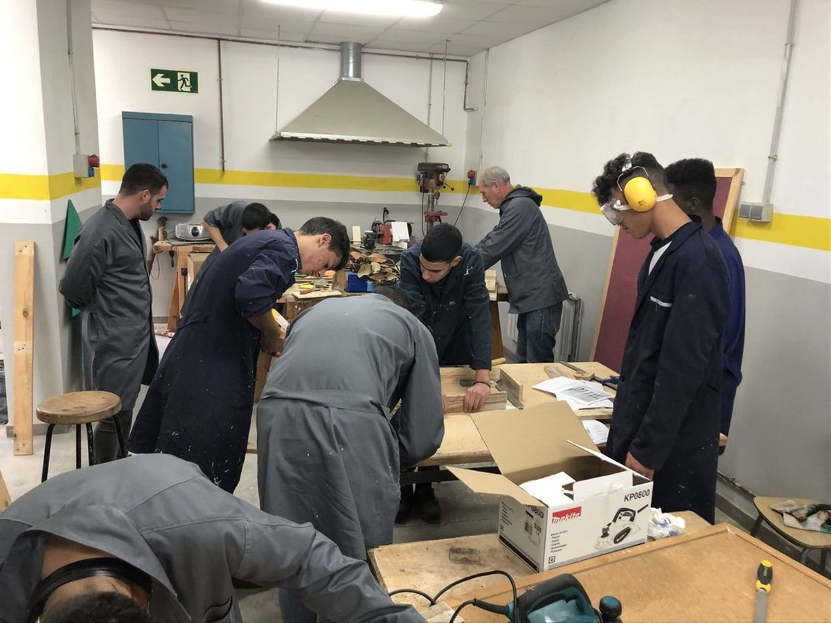 Un total de 24 joves es formaran per rehabilitar vivendes del projecte 'Lloguem!' de Mataró