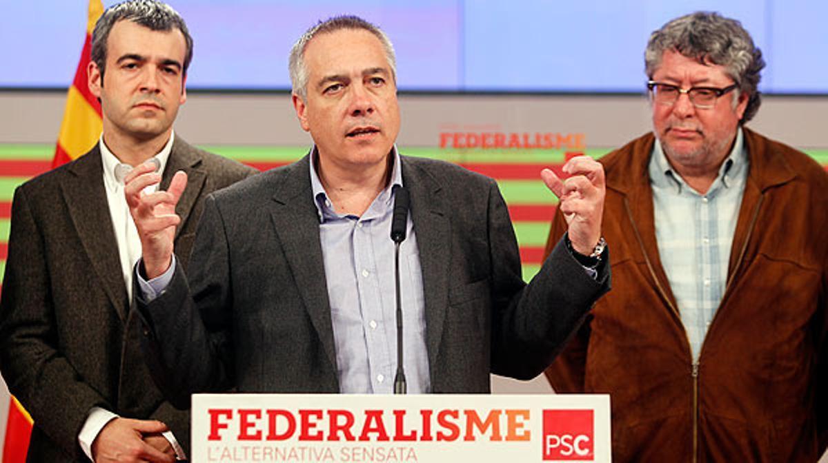 Pere Navarro evalúa los resultados electorales obtenidos en la sede del partido.