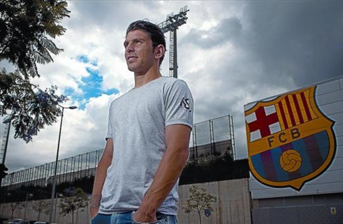 Jonathan Soriano, el pichichi de Segunda A, en la ciudad deportiva del Barça en Sant Joan Despí.