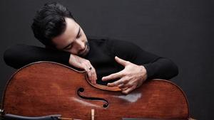 Pablo Ferrández con su Stradivarius.