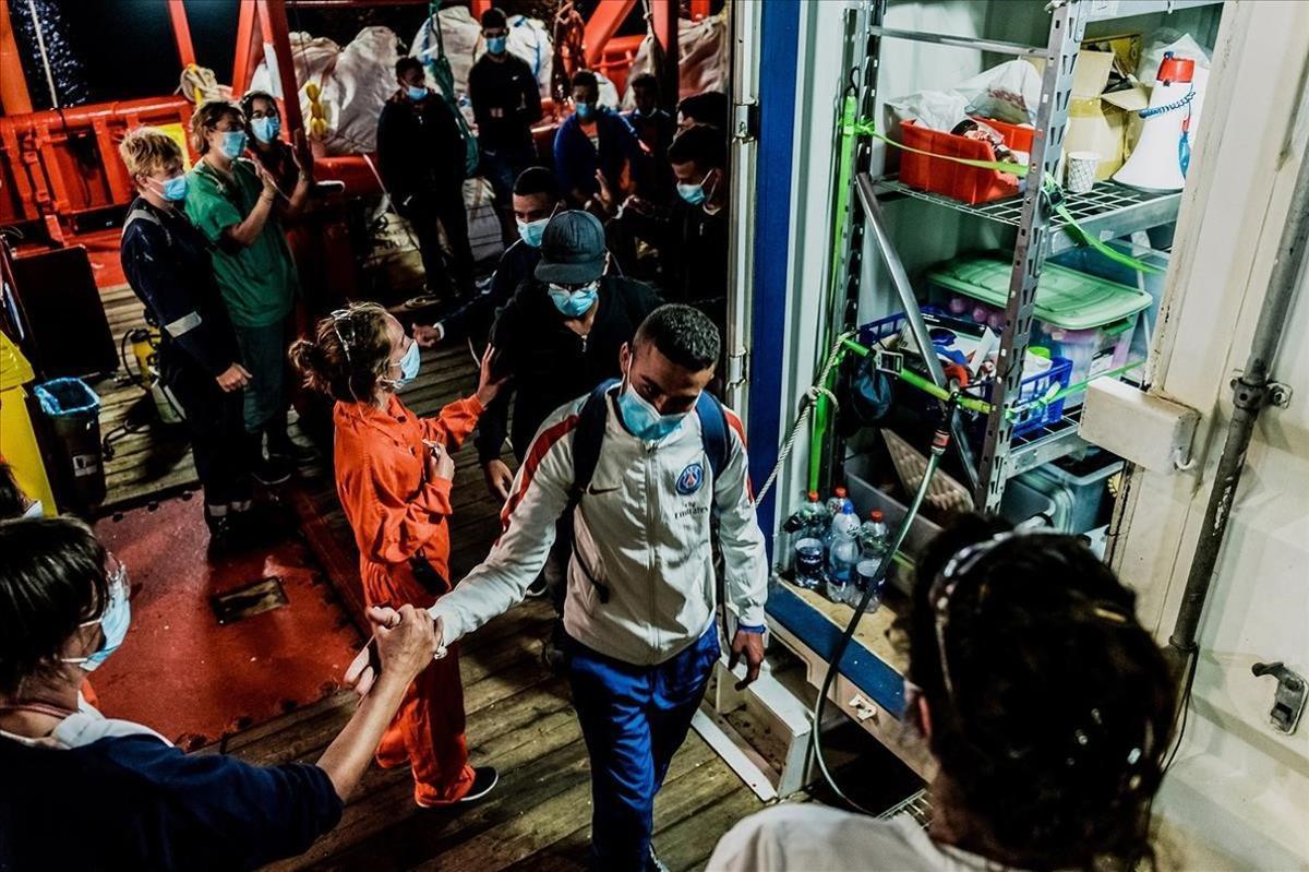 Itàlia recorre a l'Exèrcit a Calàbria davant el malestar social per l'arribada d'immigrants infectats per Covid-19