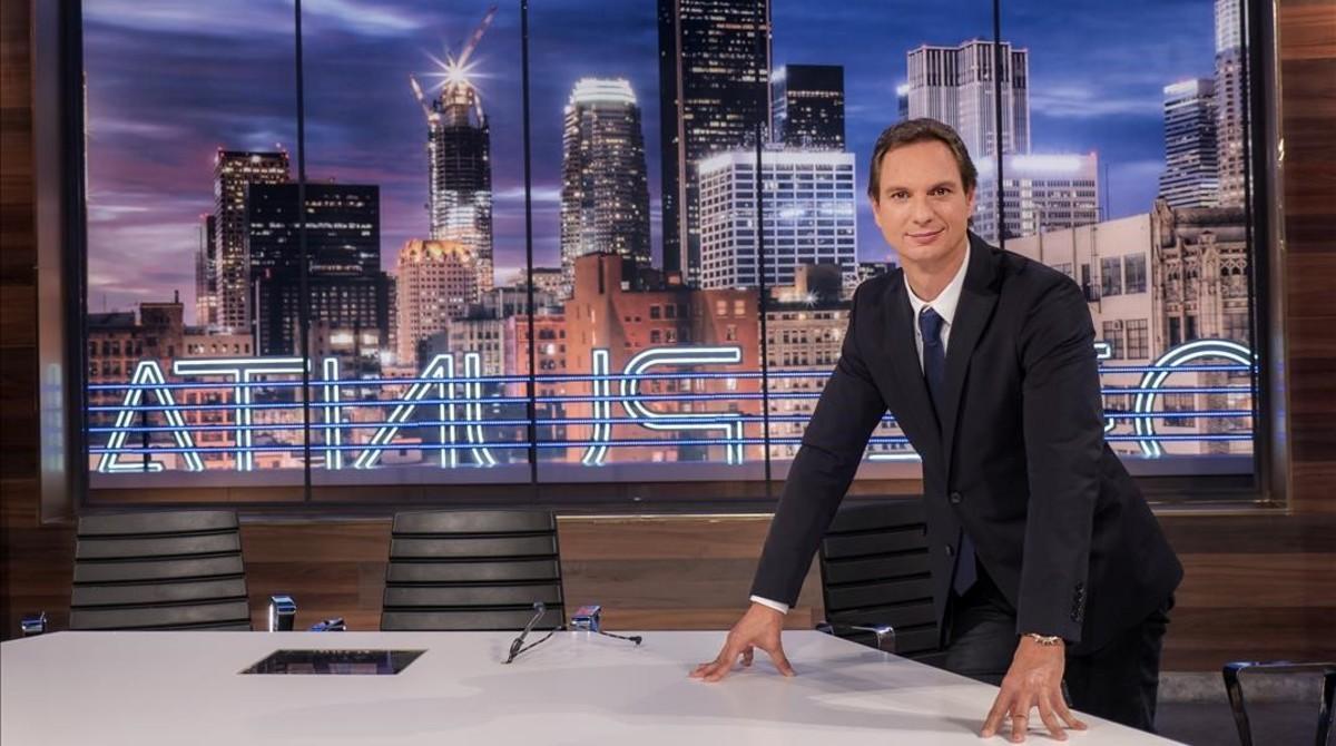 Javier Cárdenas, en el plató del programa 'Hora punta', de TVE-1.