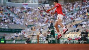 Djokovic guanya un partit memorable a Nadal