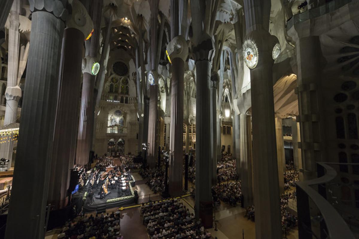 Interior de la Sagrada Família.