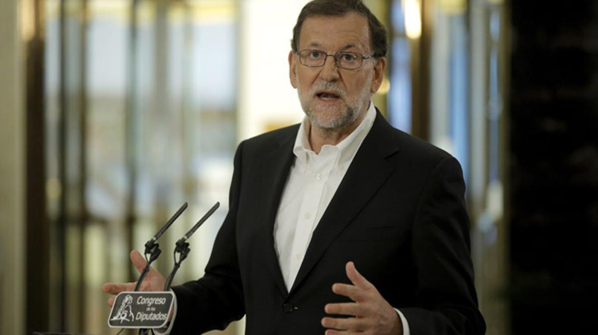 Rajoy prepara una negociación exprés con C's que presione a Pedro Sánchez