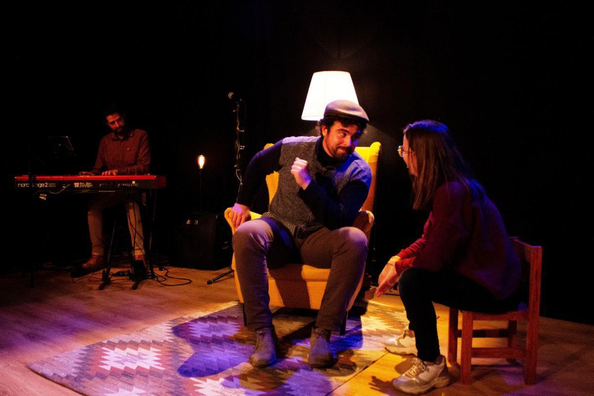 Los cuentos se basan en las charlas entre Mar Puig y su abuelo, interpretado por Eduard Mauri.