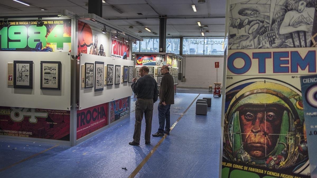 Preparativos de la exposición sobre el 'boom' de las revistas de cómic adulto de los 80, este miércoles en el Salón del Cómic.