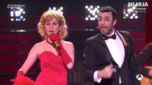 Samantha y Roberto Leal imitando a María Jiménez y Lichis en 'Tu cara me suena'