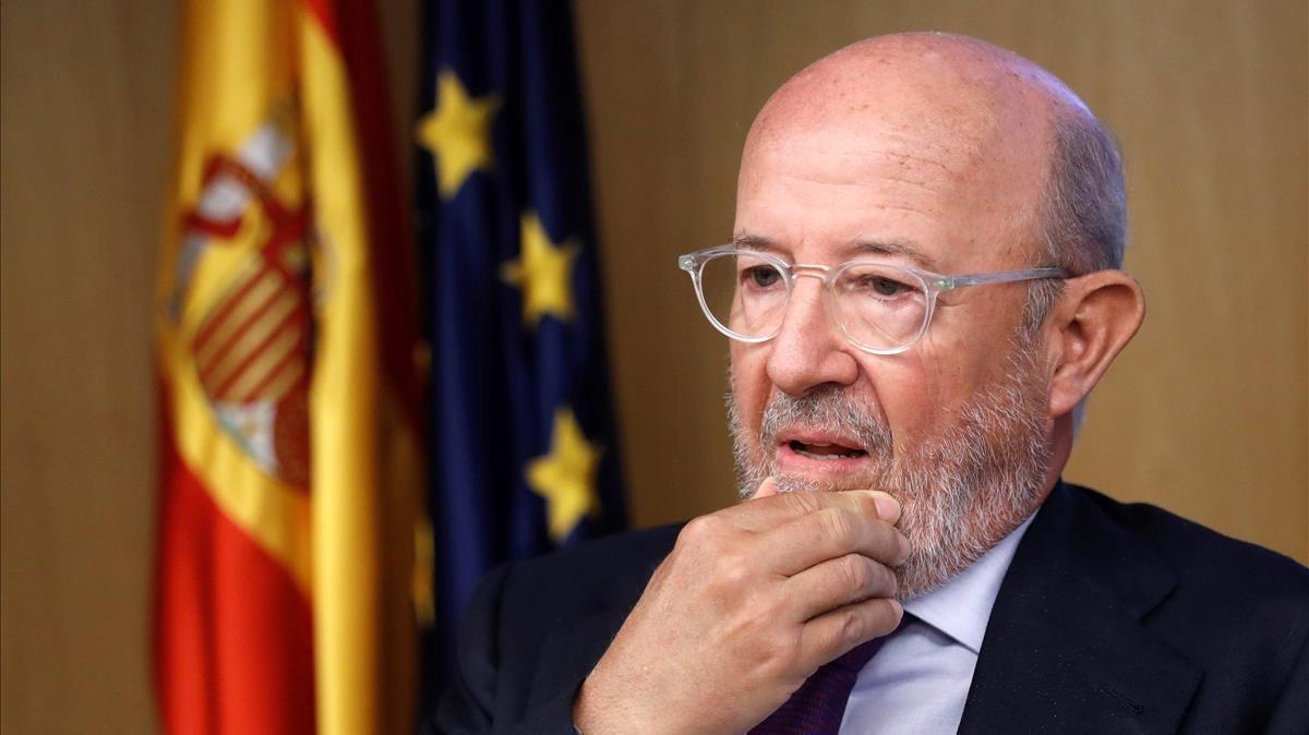 Emilio Saracho, en la comisión del Congreso.