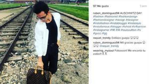 Indignació per una foto d'un 'instagramer' posant a Auschwitz