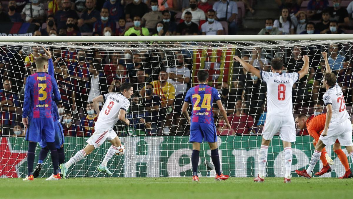 Lewandowski anota el segundo gol del Bayern
