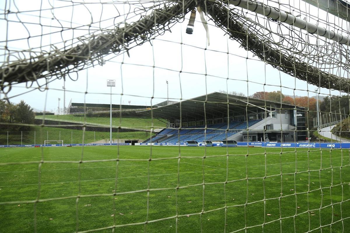 El campo Zubieta de la ciudad deportiva de la Real Sociedad donde debía jugar el conjunto donostiarra femenino contra el Barça.