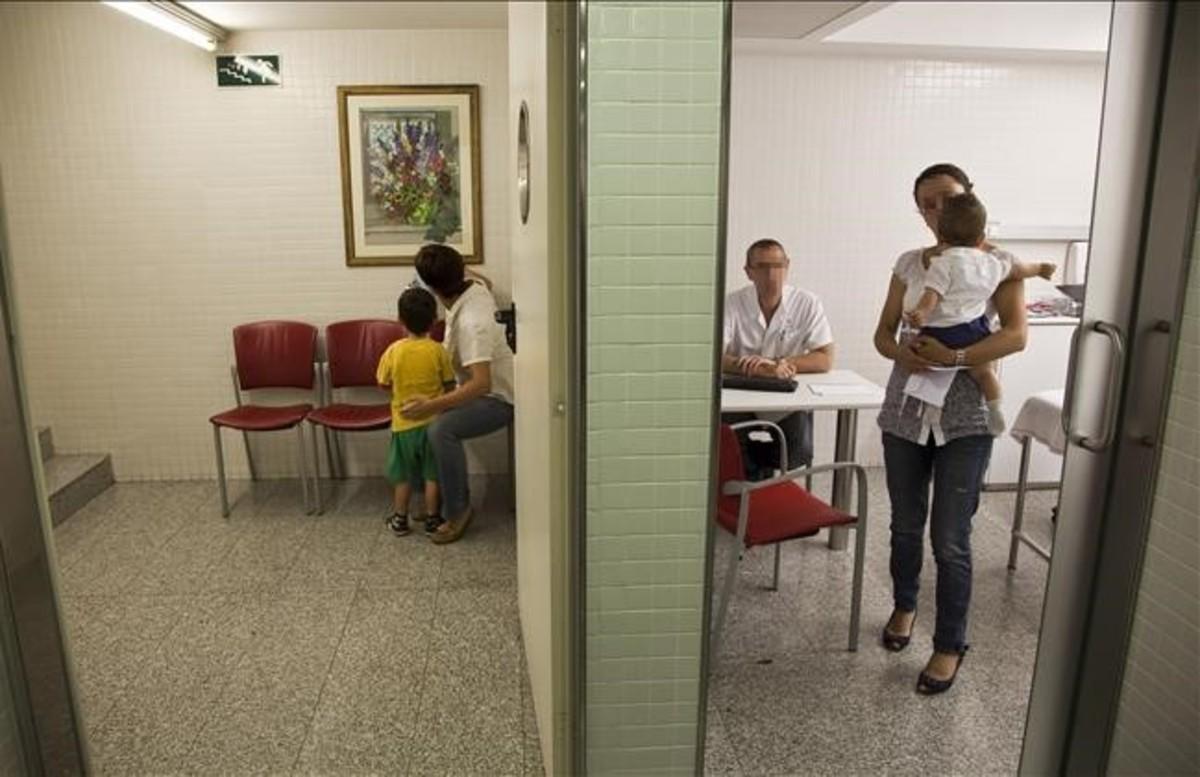 Niños atendidos en una consulta médica hospitalaria.