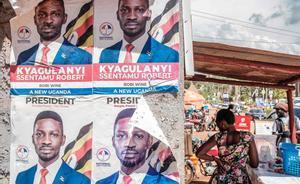 El cartel electoral de Robert Kyagulanyi, la estrella del pop candidato de la oposición a las elecciones de Uganda, en una calle de Kampala.