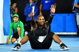 Serena Williams celebrando un punto.