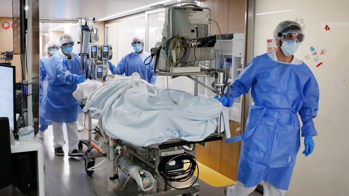 UCI de hepáticos del Hospital Clínic donde se encuentran enfermos de COVID 19