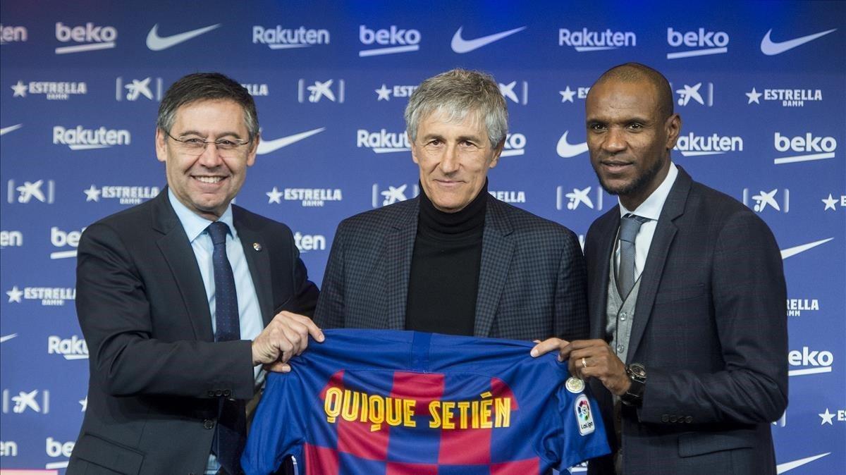 Presentación de Quique Setién como nuevo entrenador del Barça, con Josep Maria Bartomeu y Eric Abidal,