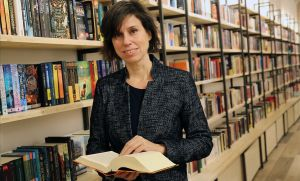 Mariana Sarrias, en la librería Byron, el día de la inauguración.
