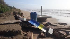La playa de Gavà tras el paso del temporal 'Gloria'.