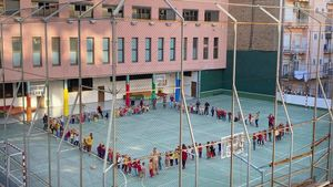 L'OMS insta a mantenir obertes les escoles i a evitar els confinaments