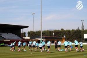 El Espanyol se entrena este jueves en el campo del Peralada.