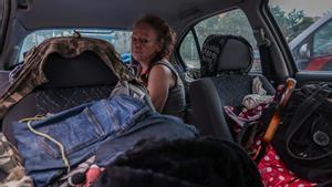 Mayka, una mujer que lleva cuatro años vivendo en la calle en distintas ciudades del área metropolitana de Barcelona.