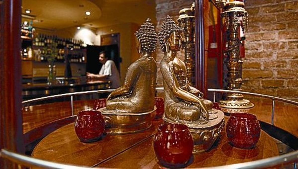 La estatua de Buda preside el restaurante Anna Purna.