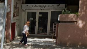 Fachada de la tienda Ladridos BCN, en la Vía Júlia de Barcelona.