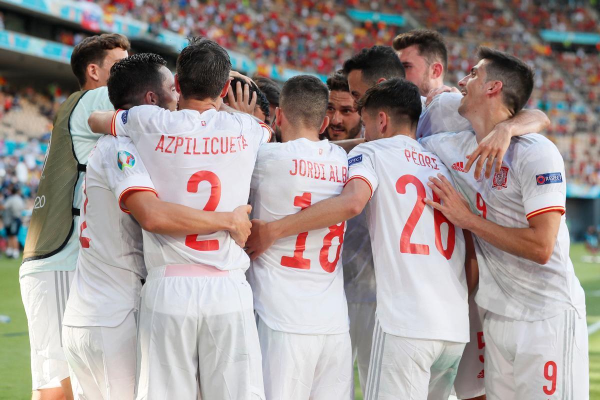España celebra uno de los tantos ante Eslovaquia