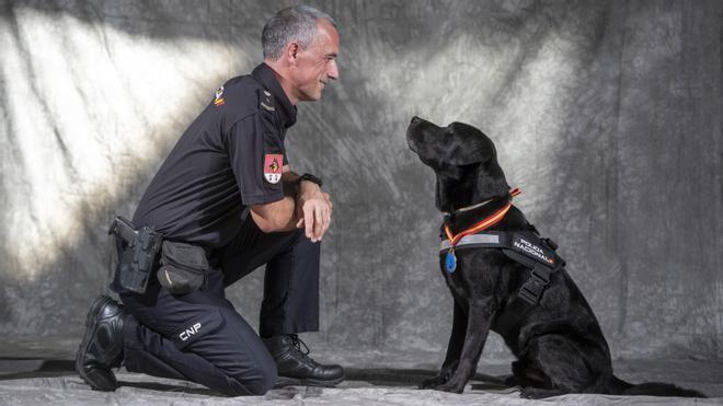 Lennon y Sánchez, los medallistas de la Unidad Canina