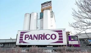 Bollería 8 Un camión de Panrico en la planta de la firma de Santa Perpètua de Mogoda.