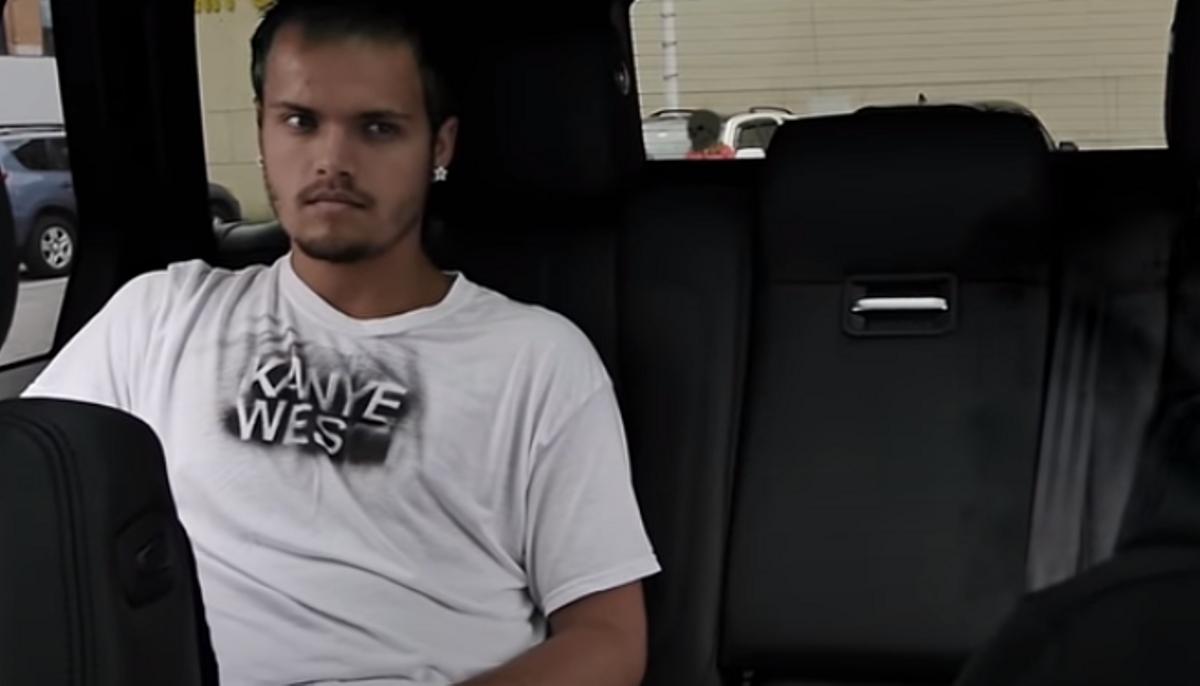 El rapero de Atlanta 6 Dogs en el videoclip de 'Faygo dreams'