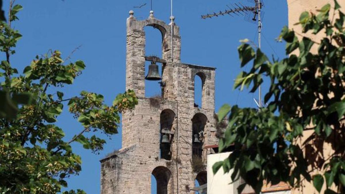 El campanario de la iglesia de Santa Maria dels Turers, en Banyoles.
