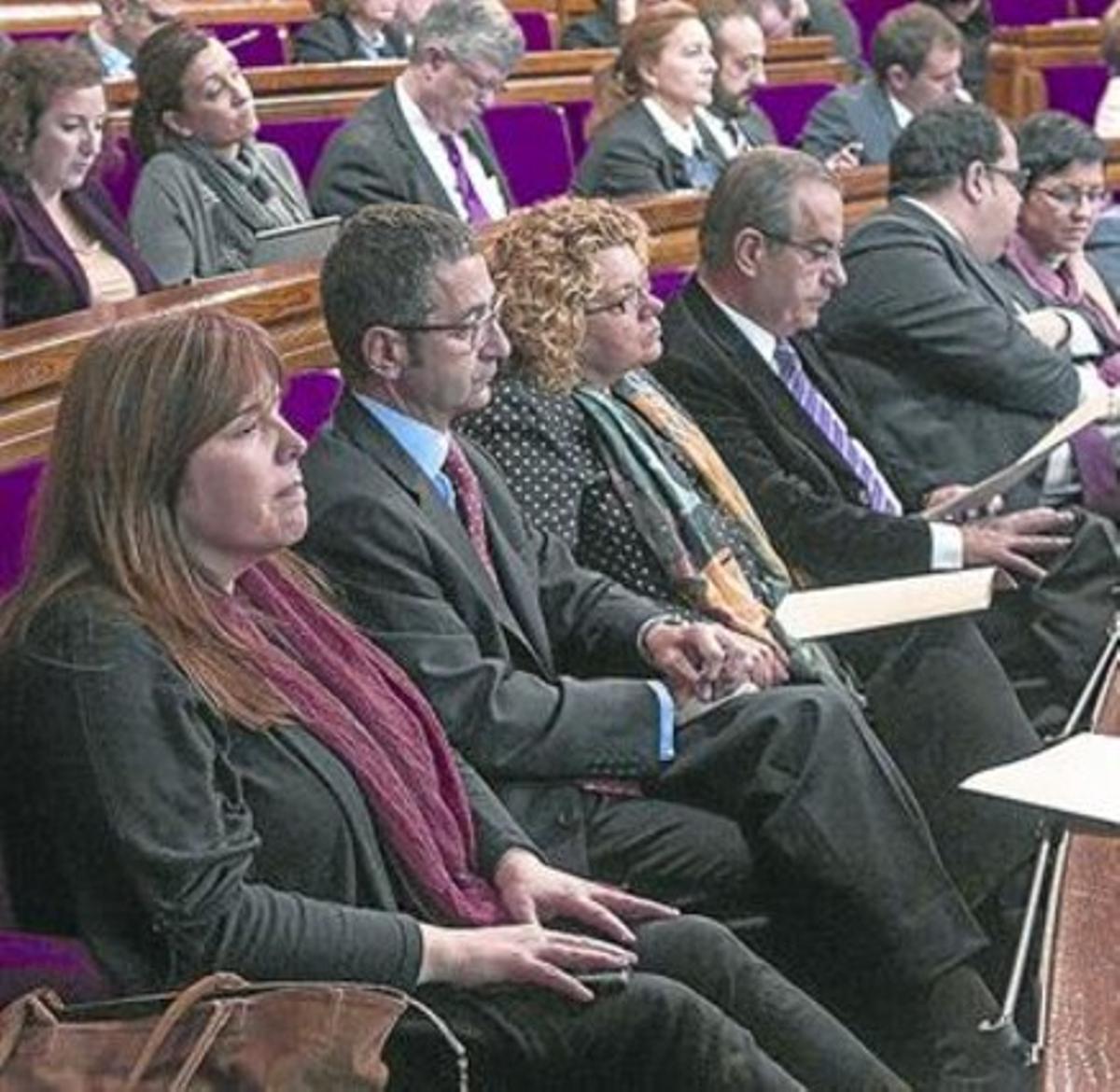 Bancada del PSC en el Parlament, el día que se votó la consulta.