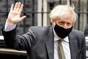 Boris Johnson saluda, este miércoles, antes de reunirse con Von der Leyen.