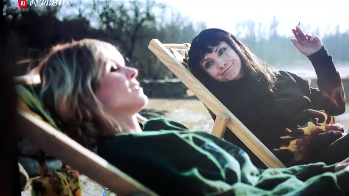 Najwa Nimri y Maggie Civantos en 'Vis a vis'.