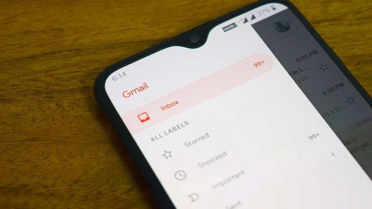 Aplicación de Gmail en un teléfono móvil.