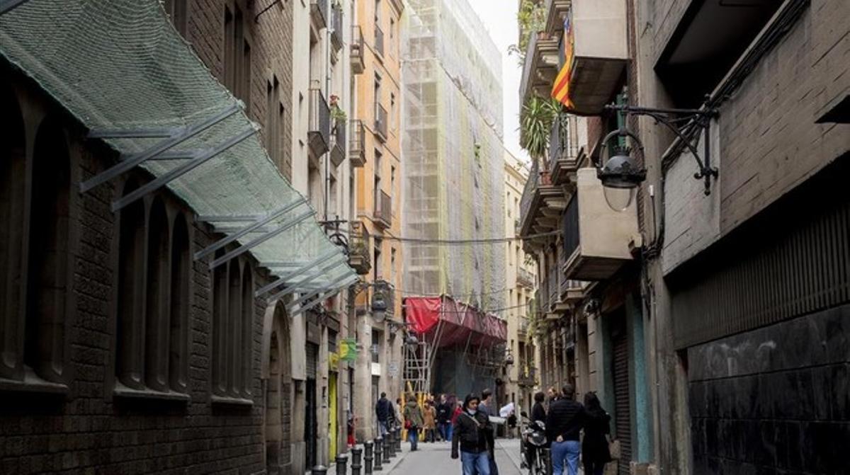 Edificio del nuevo Catalonia Magdalenes, en obras, en el Gòtic.