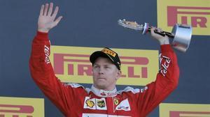 Kimi Raikkonen celebra su victoria en Rusia