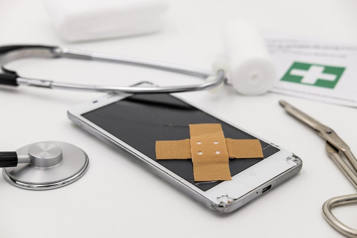¿Merece la pena contratar un seguro para móviles?