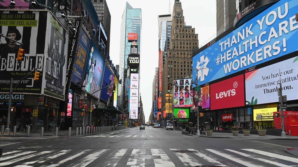 Panorámica de una casi vacíaTime Square, en Nueva York, el pasadoviernes.