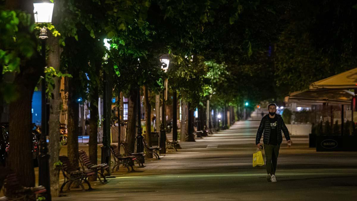 La Rambla de Catalunya, vacía, el 7 de mayo, último sábado de toque de queda.