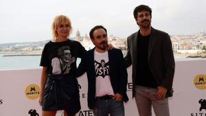 Nathalie Poza, Koldo Serra y Hugo Silva, tras la presentación de '70 binladens' en Sitges