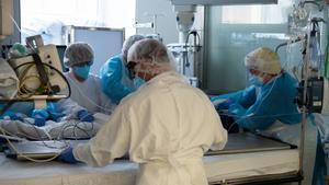 Unidad de Cuidados Intesivos para Covid 19 en el Hospital Clinic