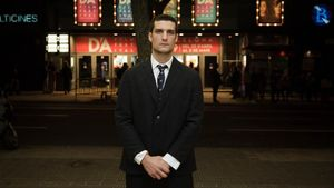 Louis Garrel, fotografiado el jueves a las puertas de los cines Aribau, donde presentó 'Un hombre fiel', dentro del D'A Film Festival